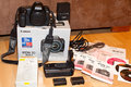 Predám Canon 5D mark II + battery grip + 2x batérie + externá spúšť