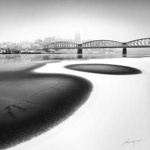 --Frozen River--