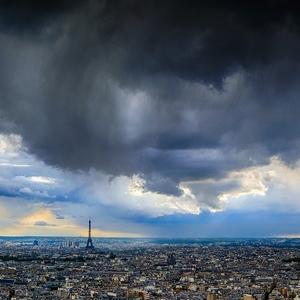Búrka nad Parížom