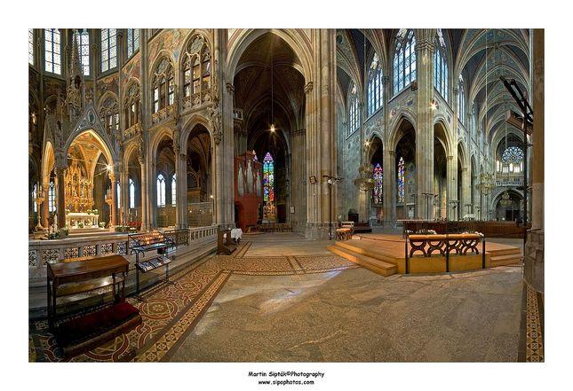 Vo vnútri Votivkirche