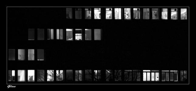 život za nemocninymi oknami