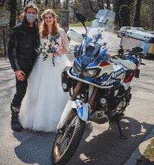Na svatbe s Hondou