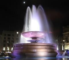 Svetlá nočnej fontány