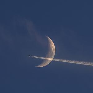 Mesiac 15.6.2021