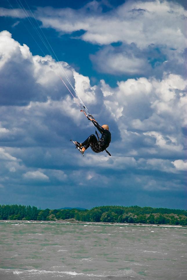 kitesurf-jump