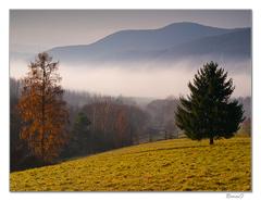 Hmly nad údolím Slanej