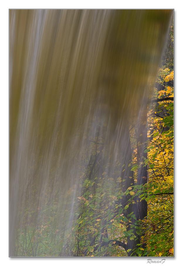 Jeseň za závojom vodopádu