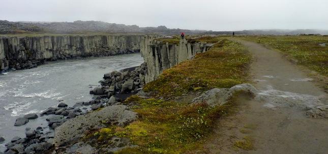 Cesta k vodopádu na Islande