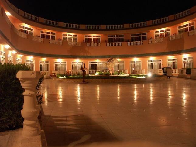 hotel Goden 5 Club v noci