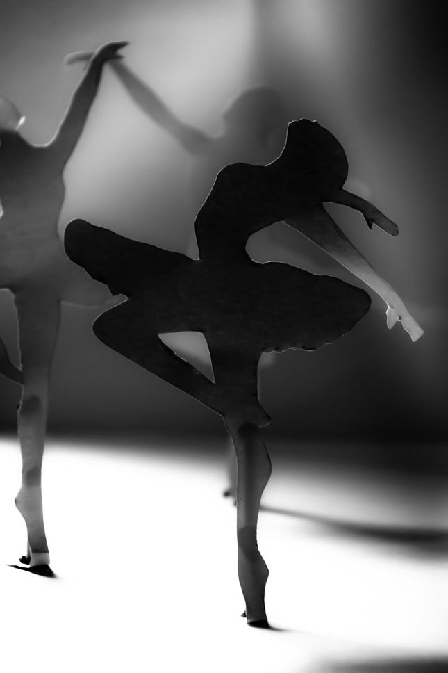 Paper dancer 1