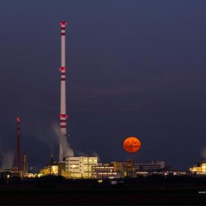 Mesiačikovo chemická