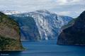 plavajúc medzi fjordami ...