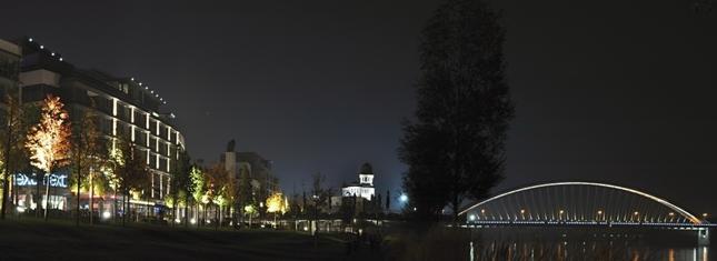 Nábrežie v noci