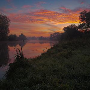 Východ slnka nad Malým Dunajom