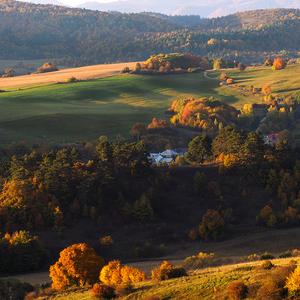 Jeseň nad dedinou.