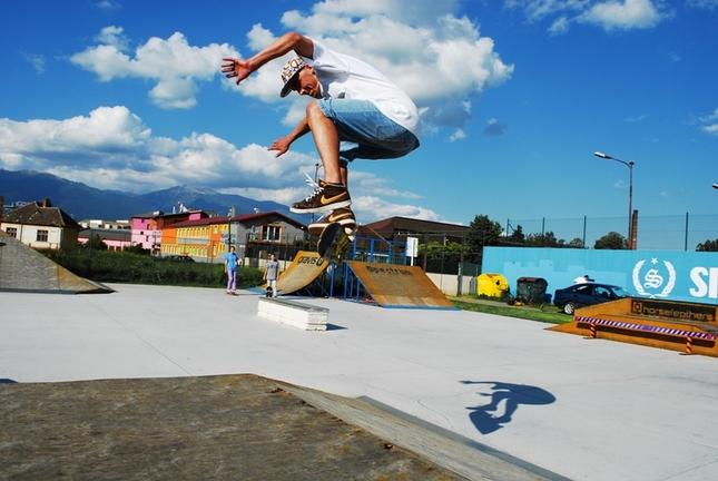 v skateparku