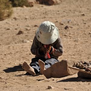 Beduínsky chlapček – prvá Cola