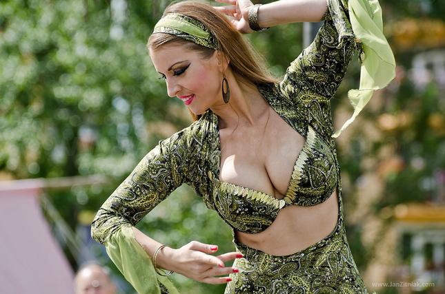 Orientálna tanečnica Dia