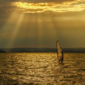 Tanec na zlatom jazere
