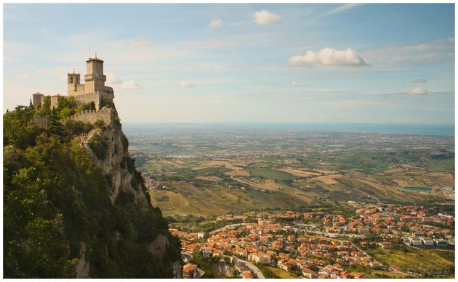 ... kde hrad krajinu stráži.