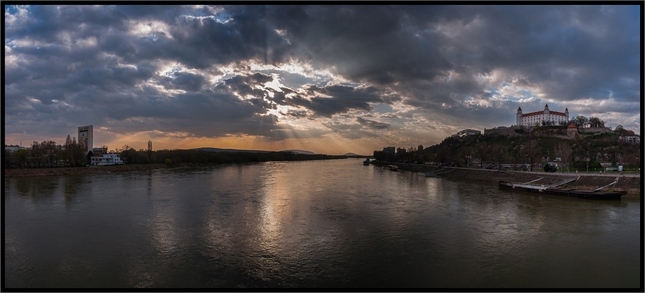 Zapad nad Dunajom