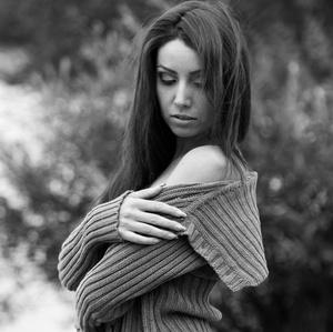 dievca vo svetri