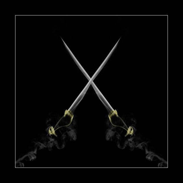 Dymové meče