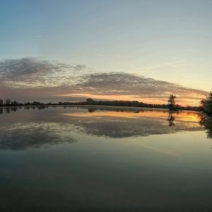 štrkáreň Tona pri východe slnka