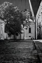 V tichých uličkách