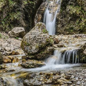 Vodopád-Dolné diery