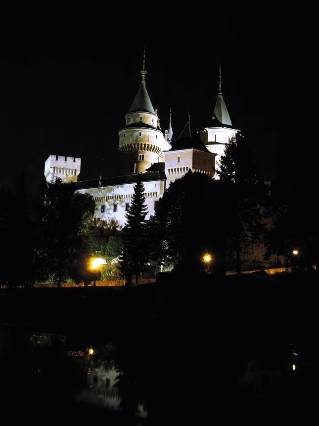 Bojnickz Yamok v noci