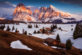 Večer na Alpe di Suisi