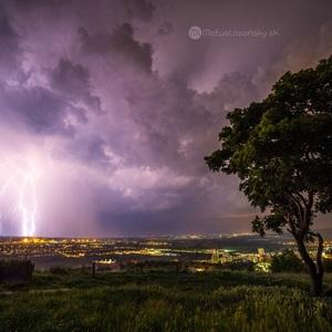 Búrka nad Hlohovcom