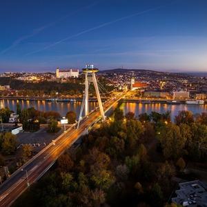 Jesenná Bratislava nad Dunajom