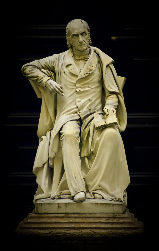 socha Františka Josefa knížete D