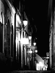 V tmavých uličkách III.