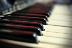 v klávesách...