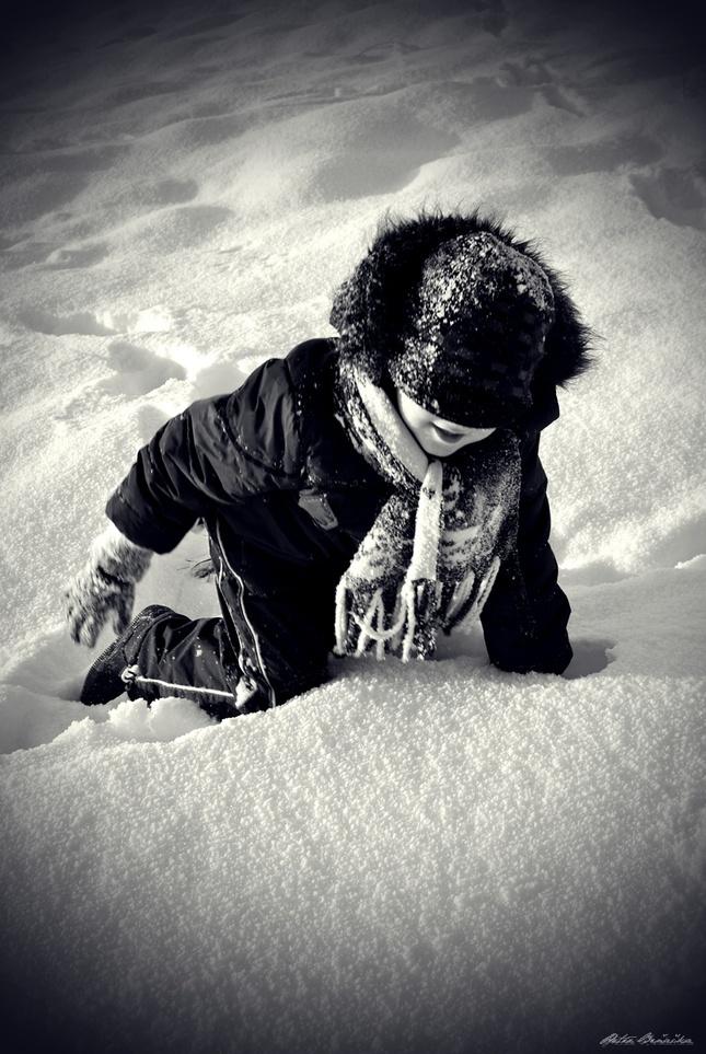 Dieťa v snehu