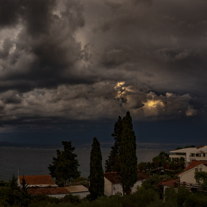 Kiša v Sutivane