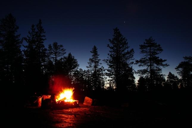 Večer pri ohníčku