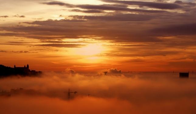 mesto v oblakoch