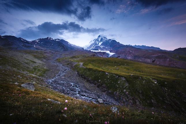 Súmrak pod Kazbekom
