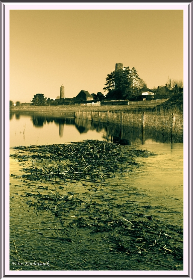 Irsko-Clonmacnoise