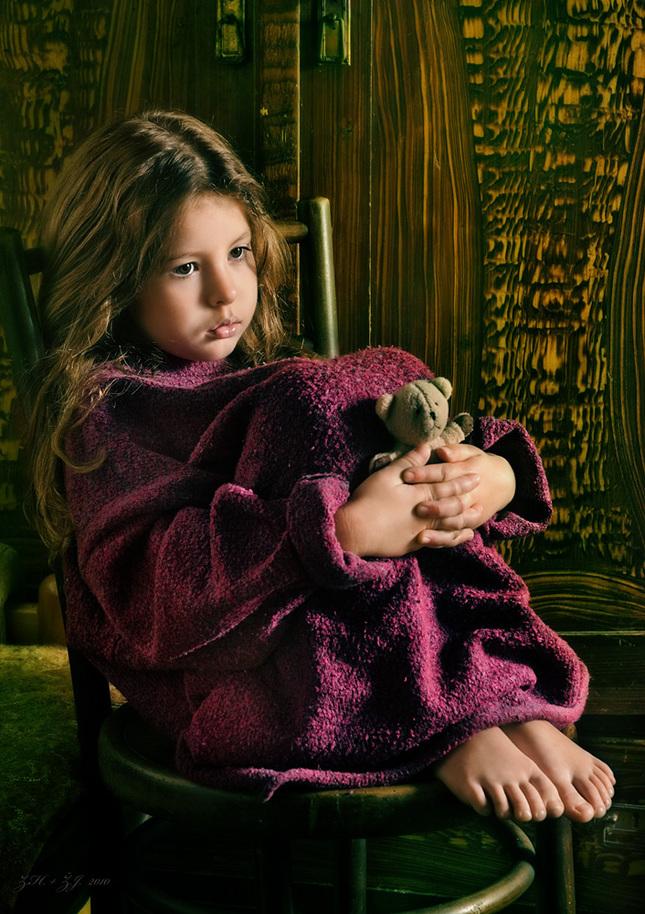 ... děvčátko s medvídkem...