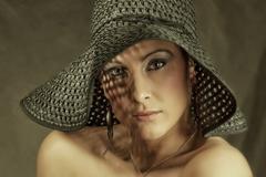 Pohled v klobouku