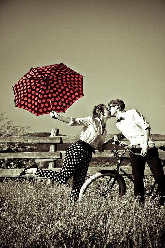 Ela Ela Umbrella...