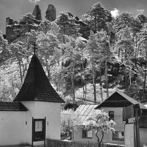 hrad Divín