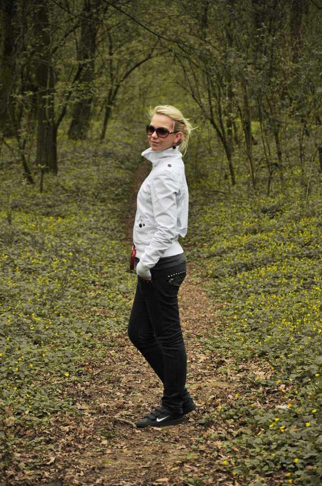 prechadzka lesom