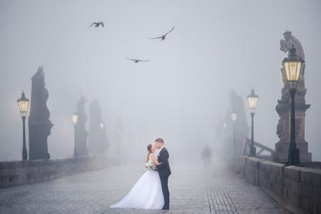 Fotenie svadobných portrétov v iný deň. Fotoreport z Prahy