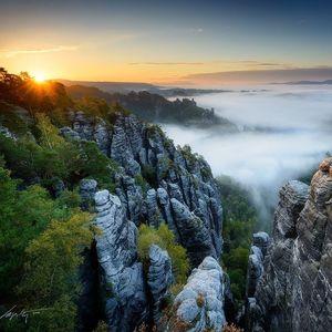--Sunny Rocks--